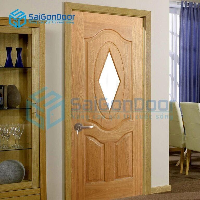 SaiGonDoor chuyên thi công cửa gỗ thông phòng QUẬN 5 HCM